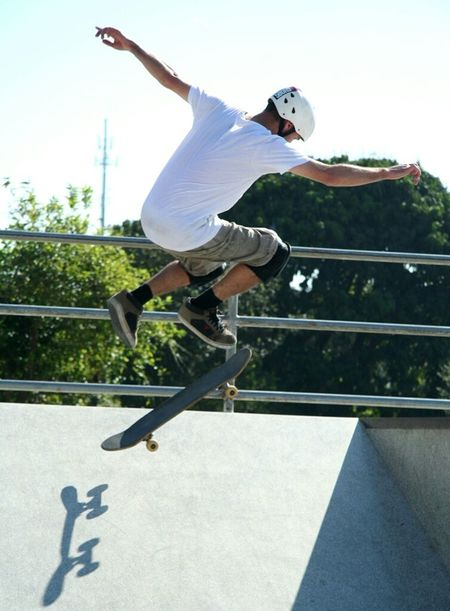 Shadow Skate Skateboarding Against The Light Sports Sports Photography Streetphotography Jump Jumping Fastshutter