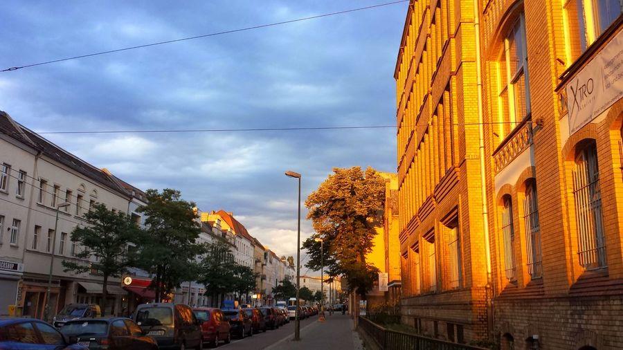 Urban Beauty Golden Sunset schönes Schöneweide