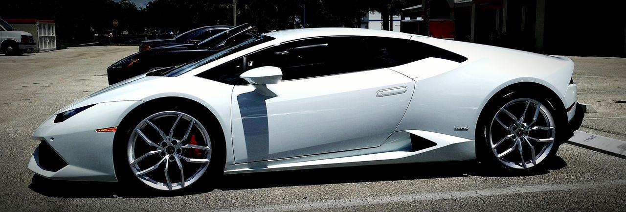 My dream car.A Lamborghini!! Lamborghini Sweet Rides White Color WhiteCollection Check This Out Eyemphotography Car Collection Expensive Cars Expensive Taste Love It ❤