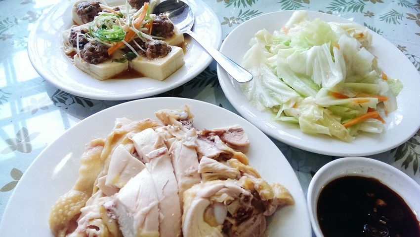 Eat Lunch 擺夷豆腐 香味土雞 炒高麗菜 雲南擺夷料理