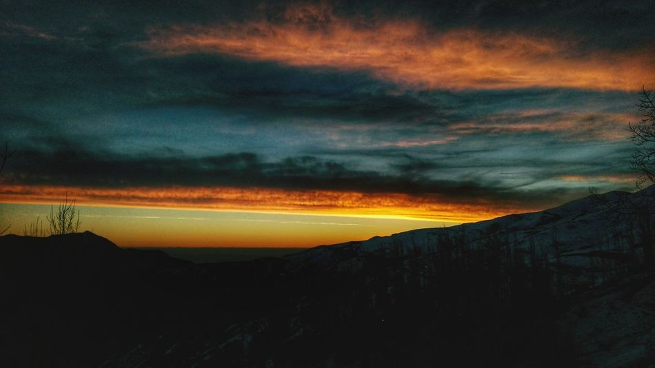 Sunset Dramatic Sky Landscape Nature Beauty In Nature Sky Outdoors Vscocam Photooftheday Photography The Great Outdoors - 2017 EyeEm Awards Winter