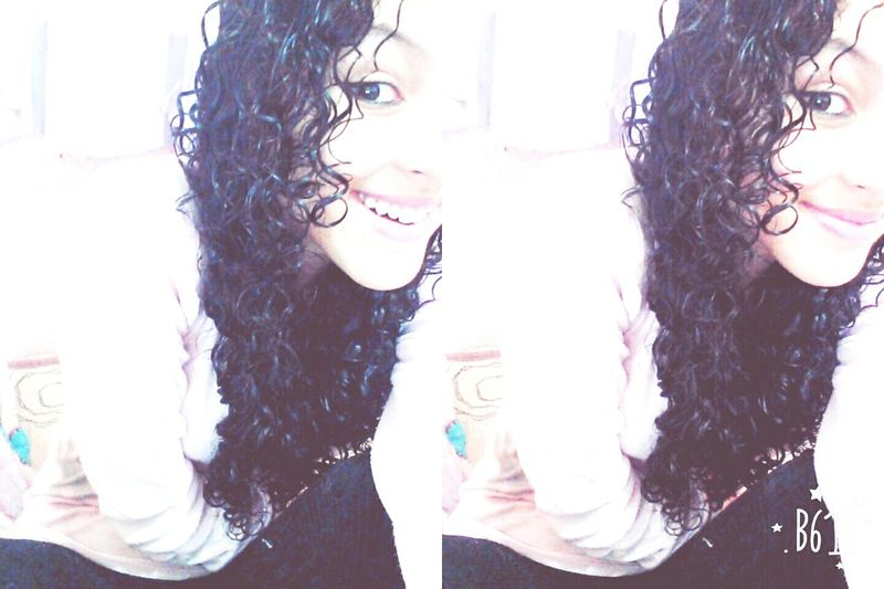 Smiles 😁😃😄😆 Gir Curly Hair Madugs Photography Kiss Me Like You Miss Me  Oin