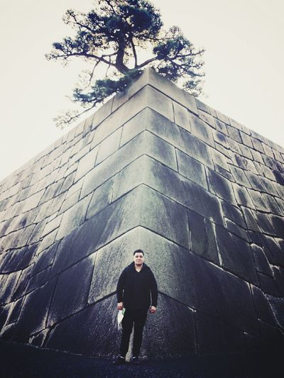My Boyfriend ❤ one man one tree Cool Geometric Grey Sky Open Edit