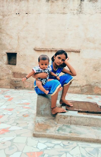 Its love that binds us. Kids Childhood India Cute Steeet Photography Real People, Real Lives Simplicity Is Beauty. TRUE LOVE ❤ Caring For Family Family Matters Family