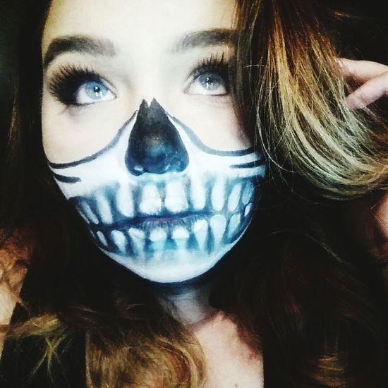 Selfie ✌ Makeup Halloweenmakeup Hair Faces Of EyeEm Mehron Half Skull Skull Face