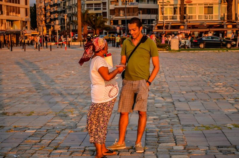 There are many palmists in Kordon coast trying to make money by predicting the future looking at your palms. Kordon / İzmir Here Belongs To Me I Love My City Telling Stories Differently Urban Lifestyle Summer Views Creative Light And Shadow Light And Shadow Fortuneteller Palmist Nikon D5100  Snapshots Of Life Streetphotography 43 Golden Moments