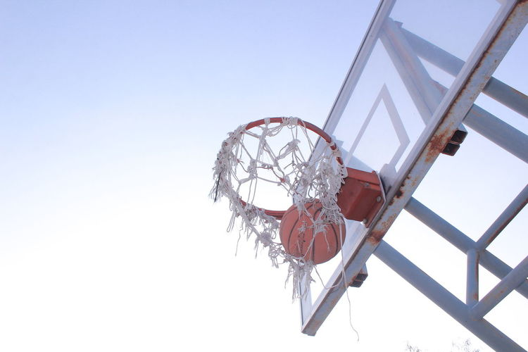 Playing the basketball ,Shooting ball in a hoop Sport Clear Sky Taking A Shot - Sport Day People Basketball - Sport Sky Outdoors Jungle Gym Adult Human Body Part Ice Hockey Adults Only EyeEmNewHere