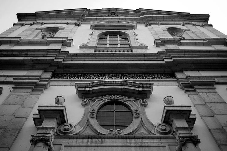Place Of Worship Jesuitenkirche Travel Destinations Tourist Destination Streetphotography_bw Architecture_collection Architecture Architecture_collection Façade Church Blackandwhite Black And White City Life Monochrome EyeEm Gallery EyeEm Best Shots EyeEm Best Shots - Black + White Taking Photos Light And Shadow Switzerland Old Town Solothurn Historic The Past Place Of Interest