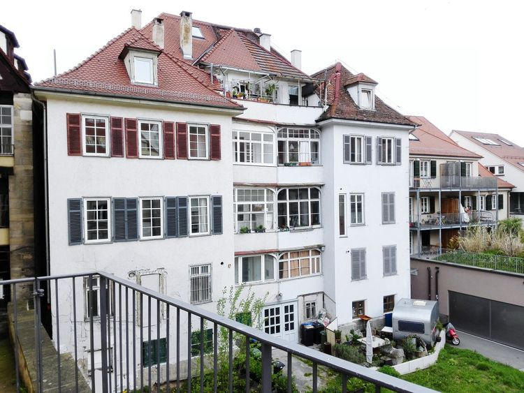 White Wall House Old Buildings Old-fashioned Garden Trailer Balcony Winter Garden