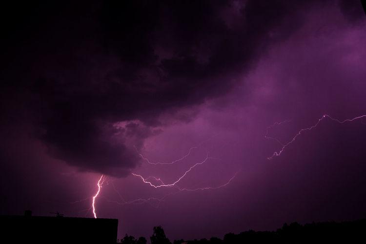 Blitze über Deutschland Forked Lightning Lightning Thunderstorm Power In Nature Storm Cloud Storm Purple Danger Electricity  Weather