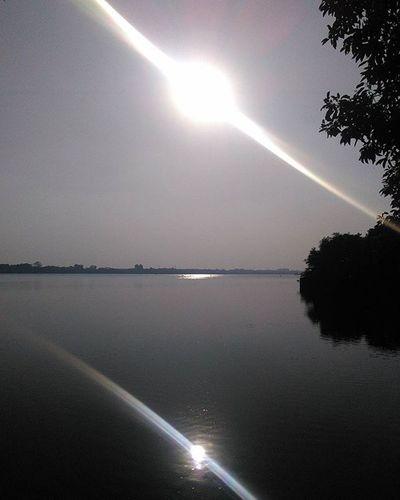 Lake n Sun.... Sun Lake Nagpur Lake Ambajharilake Affection Nature Naturelovers Reflection 4pm Horizon Fireball Lakeside Enjoy Visit Photography Naturepic