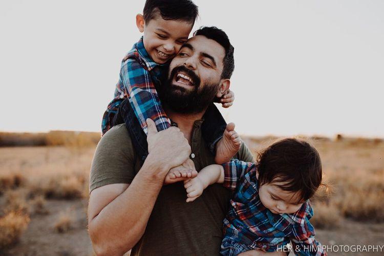 Meet my boys Father Child Togetherness VSCO Lookslikefilm Gapkids Triberedleaf Family Outdoors Texasphotographer First Eyeem Photo