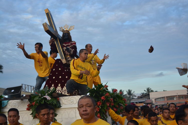 taken from Yesterdays feast of the Black Nazarene Traslacion. Taking Photos Photojournalism Showcase: January Documentary Eyeem Philippines EyeEm Masterclass From Where I Stand Everyday Lives Taking Photos The Photojournalist – 2016 EyeEm Awards The Street Photographer - 2016 EyeEm Awards