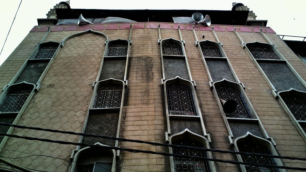 Architecture Low Angle View Building Exterior History Streetphotography Streetsofindia👣 The Street Photographer - 2017 EyeEm Awards Mobile Phone Photography Mobilephoto Mobilephotography India Colour Indiapictures EyeEmNewHere Nokia808 Nokia808Pureview Windows And Doors Olddelhiheritage Outdoors Doorsworldwide