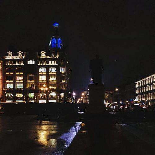 Человек способен выкладываться по максимуму до тех пор, пока не устанет или не потеряет интерес Vpeterburge My_love_spb Mypetersburg Nevsky Inlovewithspb
