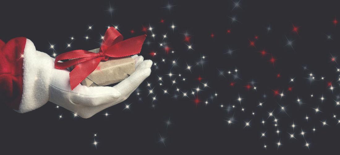 Hand of Santa