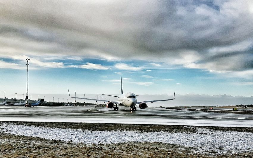 Airport Plane Comercial Airline Samsungphotography Going To An Exotic Place Wintertime Taking Photos Airportphotography Showcase: February Aircraft Taxiway Vacation Time Runway 21