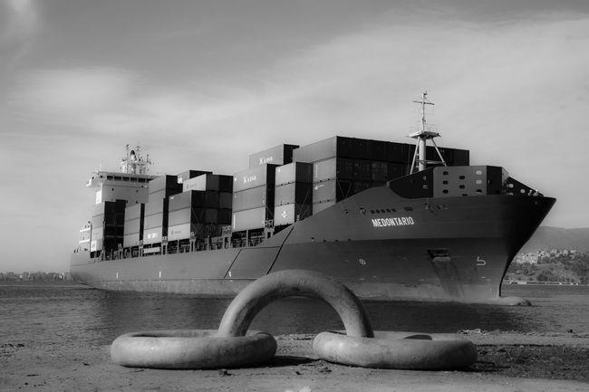 Ship Sea Port Konteyner Izmir Turkey Eyemphotography EyeEm Nature Lover Eyem Best Shots EyeEm Best Shots Eyem Gallery