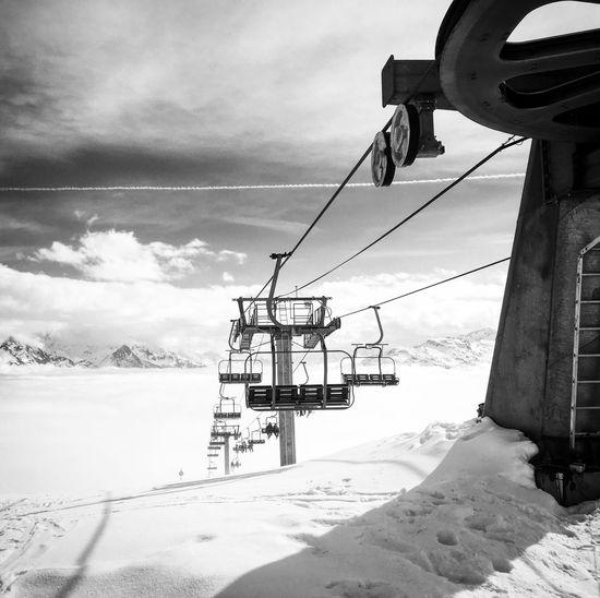 EyeEmNewHere Snow Sky Nature Cloud - Sky Outdoors Landscape Mountain Chairlift Technology Leskarellis Holiday Winter Savoie-les Karellis-France Photography Snow ❄ Cable Blackandwhite Light