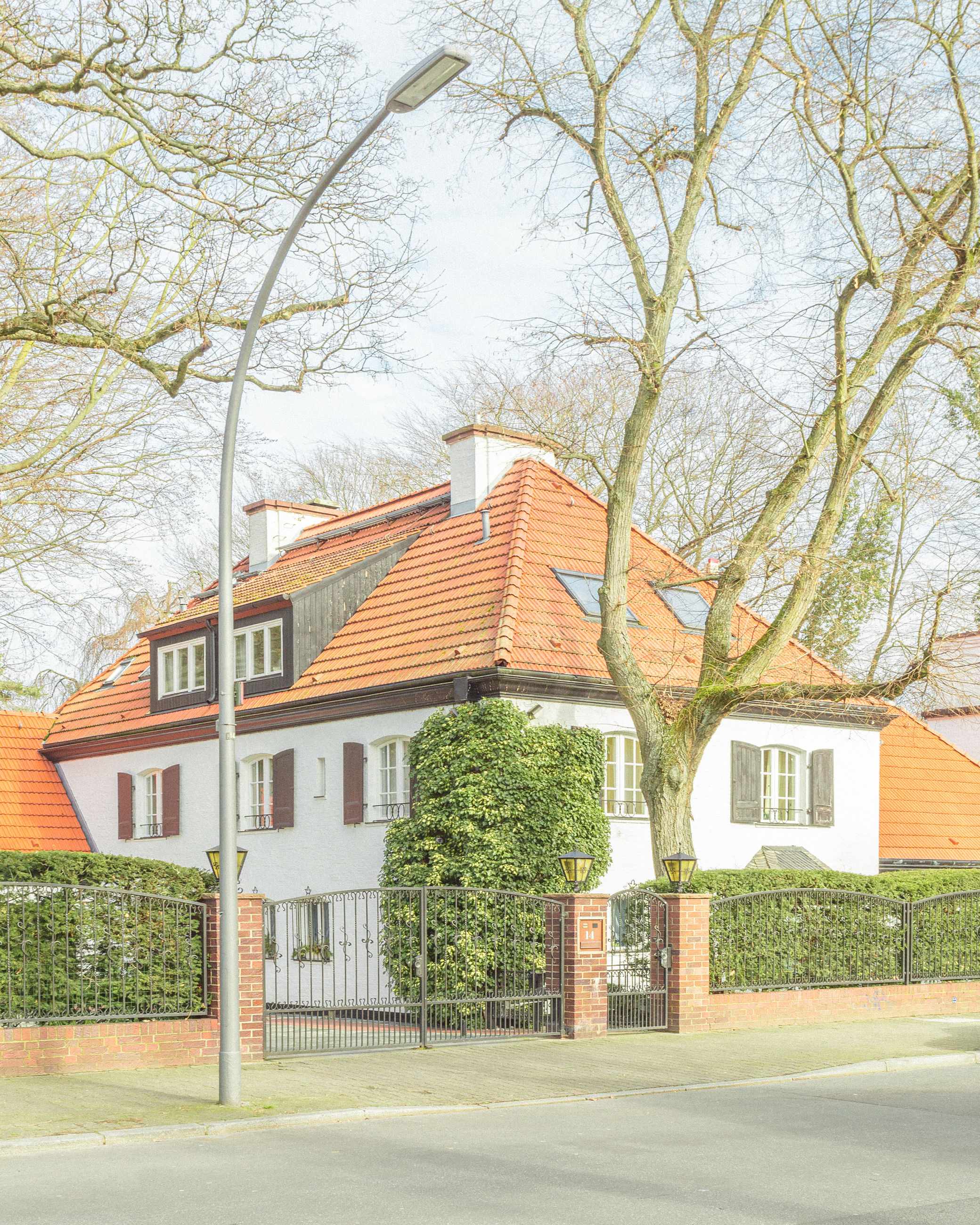 architecture, building exterior, built structure, building, tree, plant, house, residential district, nature, no people, day, window, outdoors, roof, growth, bare tree, road, city, branch, sky, housing development