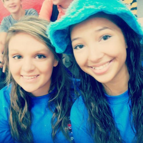 Mayle and I ! :) Blueblueblue Sophmores Homecoming Colorday @ayeemayle