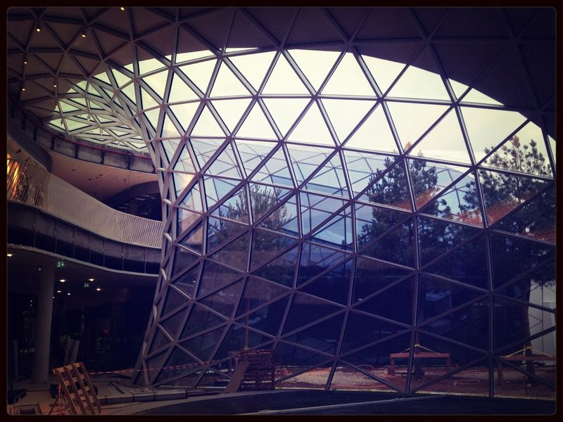 Fuksas Mall Structures Violet By Motorola