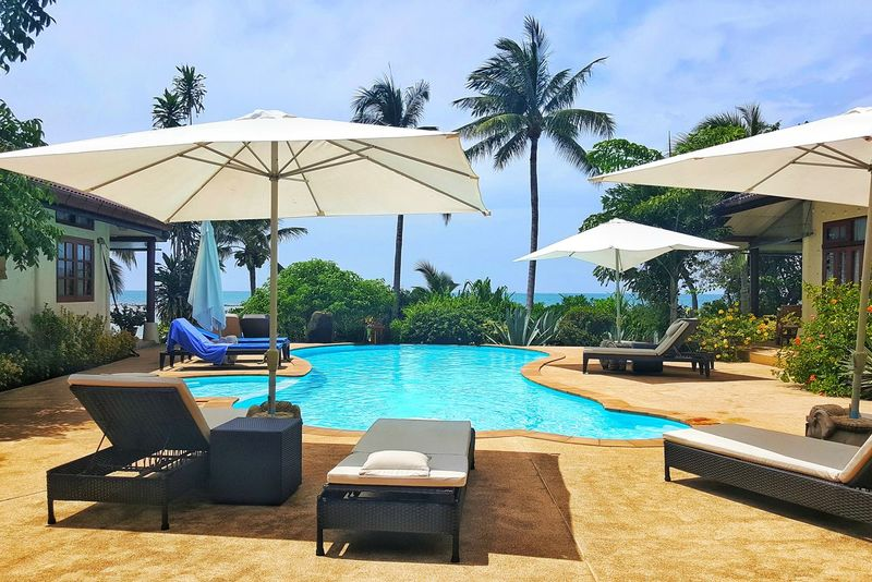 Relaxing Thailand Bungalow Ocean View Pool Time Check This Out Kosamui EyeEm Samsungphotography