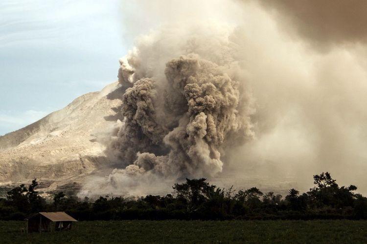 Volcano Eruption Volcano Eruption Sinabung