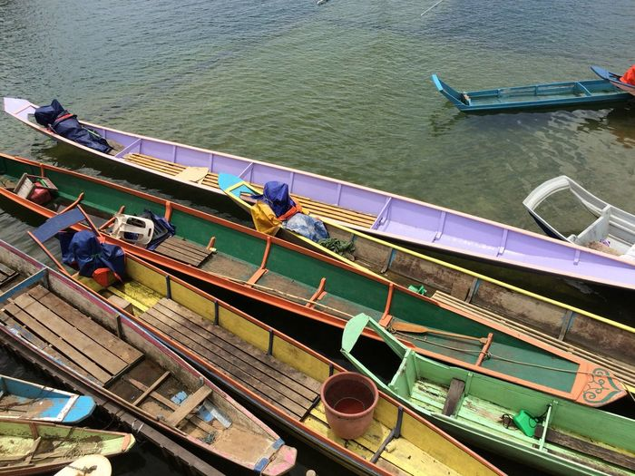Colorful boats Landscape Colorful Borneo Boats Pier Vacations Traveling Wallpaper Backgrounds High Angle View Water Day Transportation Built Structure Nature Architecture River Sunlight Outdoors Mode Of Transportation Nautical Vessel Building Exterior Group Of People Moored Incidental People Shadow