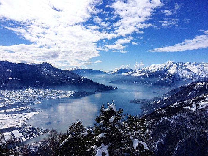 Beneath the clouds. Lago Di Como Como Lake Stunning View