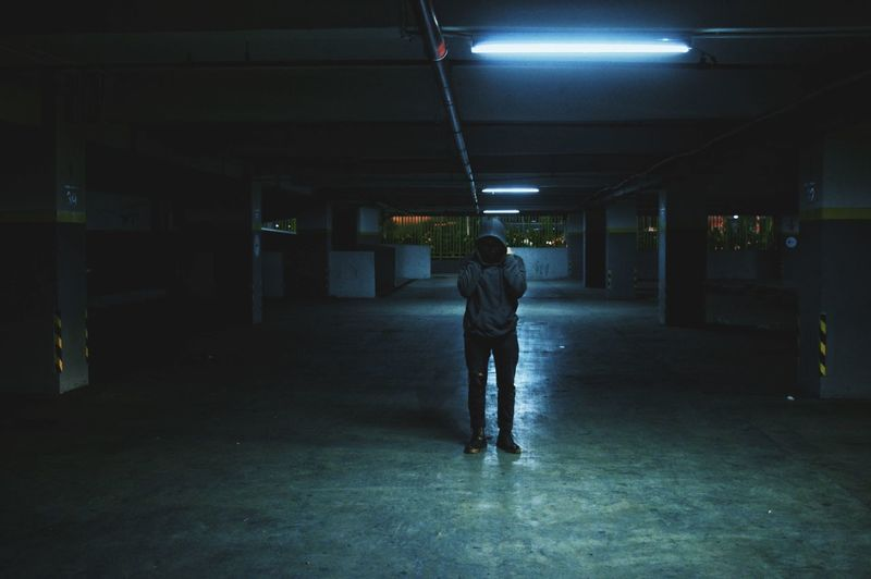 Percayalah, gelap itu tidak terang One Person One Man Only People Outdoors Only Men City Standing Like4like Dark Darkness And Light Gelap Parkiran Amateurphotography Photography