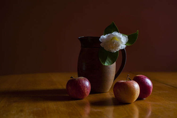 All Red Apple Autumn Autumn Colors Apple - Fruit Apples Close-up Food Food And Drink Freshness Fruit Healthy Eating Indoors  Ready-to-eat Still Life Studio Shot Table Food Stories The Still Life Photographer - 2018 EyeEm Awards Autumn Mood