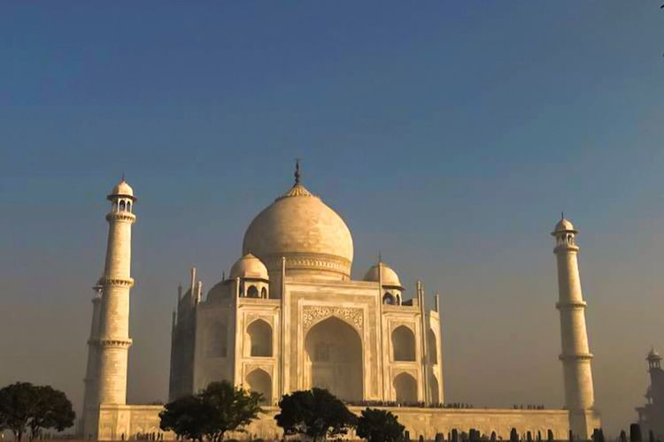 Taj Mahal in India Building ASIA Tourism Famous Architecture History Tourism Arch Built Structure Travel Destinations Dome Sky