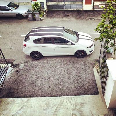 Tanqiu the mister Mfarokomar for cleaning n wash the car... sparkling clean tapi mcm nk hujan je mcm bingit je