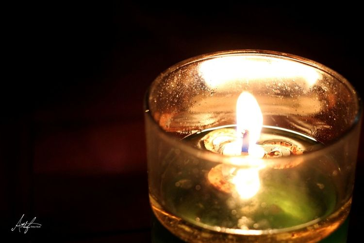 Candle light. Light Candlelight