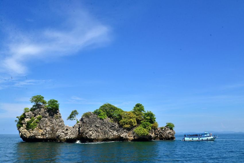 Andaman Sea Beauty In Nature Beauty Of The Sea Boat On Sea Island Sea Island And Sea Sea View Beauty Of Sea Sea_collection Nature Colors Sea Colours Sea And Sky Island In The Sea Sea In Thailand Nature_collection Nature Photography Sea Photography Island Photography Boat Sea Blue Sea And Blue Sky