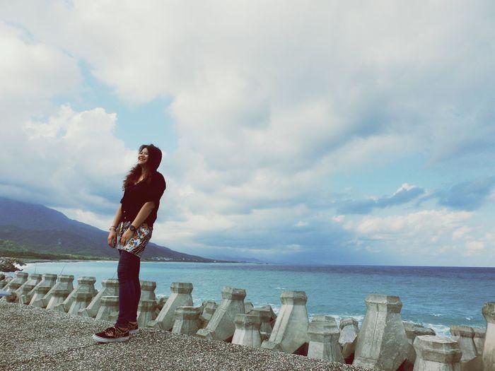 倘若再也找不到快樂的理由,那就替自己找一個離開的藉口。 Sea Clouds And Sky Wind Taitung 20160317
