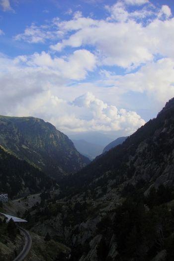 Vall de Núria❤ Mountain Outdoors Landscape Caminar, Avanzar, Aprender...  Catalunya Barcelona Catalunya Lliure Somosfelices Catalunyatestimoo Catalunyaenfotos Muntanya Nuria Valley Catalunyagrafias Catalunya_color Cloud - Sky Beauty In Nature