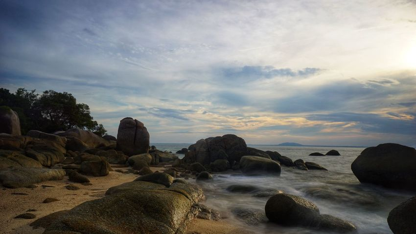 Putri island in Belinyu beach Bangka Pantai Trip To Bangka Sunset Travel Photography Photography By @jgawibowo Shot By @jgawibowo Shot By Arif Wibowo Landscape Island Boulder Boulders Beach Granitic Beach Indonesia Scenic Granitic Beach Beach Landscape Scenic View Scenic Island Seascape Bangka Sunset Rocky Beach Boulders Beach Bouldet