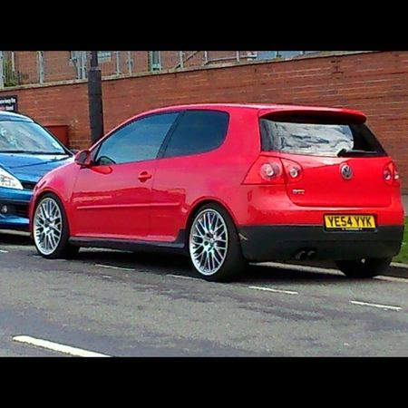 Spotted on hareclive rd, @4.30pm anyone know the owner?? Lovely mk5 Spotted Mk5 GTI Red vwgolf dub low