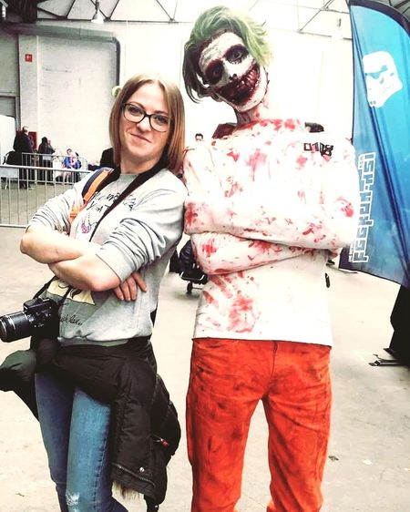 Comiccon Bruxelles 2018 Moi Comiccon Comics Comiccon2018 Loveit Funny Pose For The Camera Adventure EyeEm Selects HadFun Adult People Day Indoors  Men Women Portrait Eyeglasses