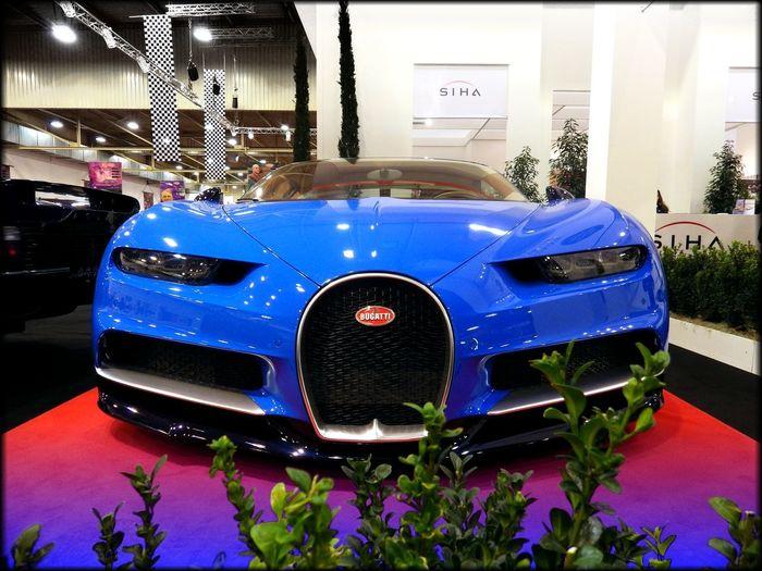 Bugatti Chiron Bugatti Chiron Essenmotorshow Hüpapics Car Blue Luxury Indoors  Racecar