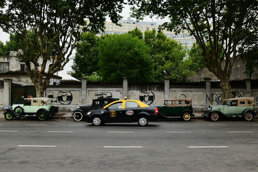 Film Industry History Old-fashioned Travel Destinations Car Transportation Mode Of Transport City Nikon Buenos Aires Chevrolet 1930 Vehicles 1930s Ford A City Life Vintage Cars Ford Vintage Yellow Taxi