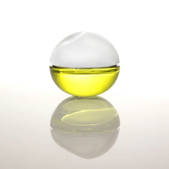 Ball Perfume Collection Perfume Taking Photos Photography Mexico City Product Photography Still Life Ball Woman Fragance Collection Shooting Lights Silver
