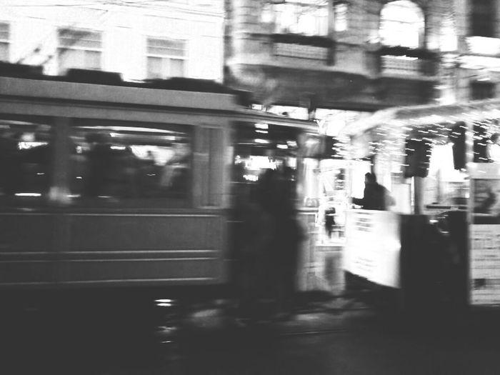 Istanbul Designbienale Streetmusic Tramvay