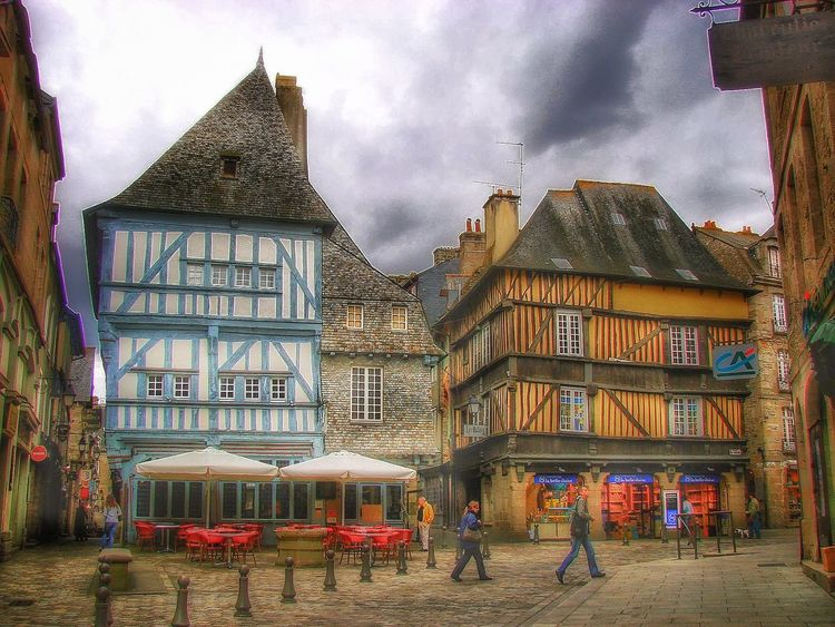 Architecture Cloud - Sky Sky Travel Destinations No People Outdoors Day City Travel Photooftheday Streetphotography Street Beautiful Nature France Francetourisme