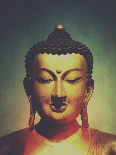 Buddha Mextures Statue