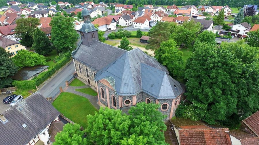 Small church in a village in germany Architecture Built Structure Church Church Architecture Germany Historisches Gebäude Kirche Kultur Religion Religion Architecture Town