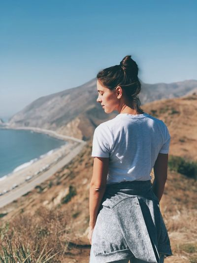 Breath deeper Hiking EyeEmNewHere Sea One Person Nature Casual Clothing Clear Sky Standing Scenics Outdoors Tranquility Young Women Beauty In Nature Leisure Activity