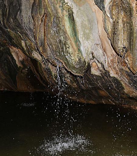 Aigua De Valls Beauty In Nature Estalactita Estalactitas Guixes Gósol Natural Pattern Nature Pont Cabradis Rippled Subterranean River Subterráneo  Water